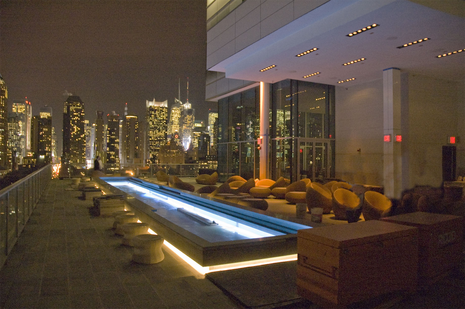 Rooftop Pool Bar : Hell's Kitchen Rooftop Pool Bar Screams  New York Gossip Gal  by ...